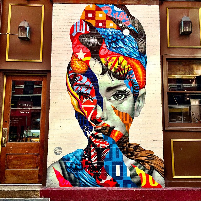 Audrey hepburn graffiti in little italy new york city for Audrey hepburn mural soho