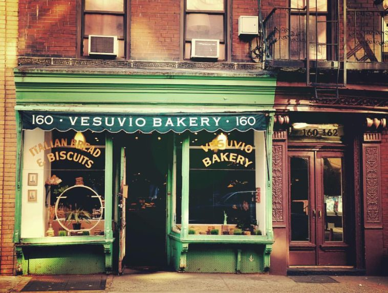 Vesuvio Bakery, New York City by Vivienne Gucwa @travelinglens