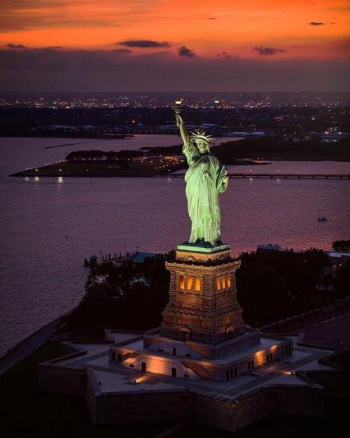 Liberty At Sundown 📷 Paul Seibert @pseibertphoto